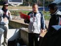 打合せ中の隈部さん、伊藤さん、横尾さん