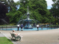 博物館横の噴水