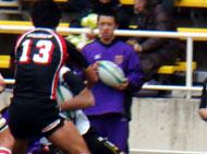 スタジアムでは紫が目立っていました